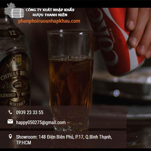 Cách pha chế rượu Chivas với soda và coca