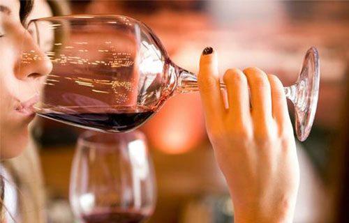 sử dụng rượu vang