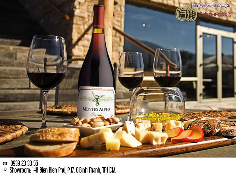 rượu vang chile montes