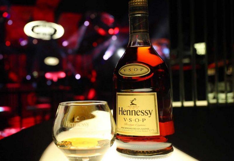 cập nhật giá rượu Hennessy 2020